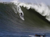 Big Wave SUP Pays Basque